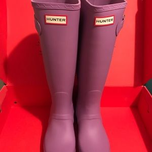 NEW HUNTER WOMENS TALL BOOTS THISTLE COLOR SZ 7!